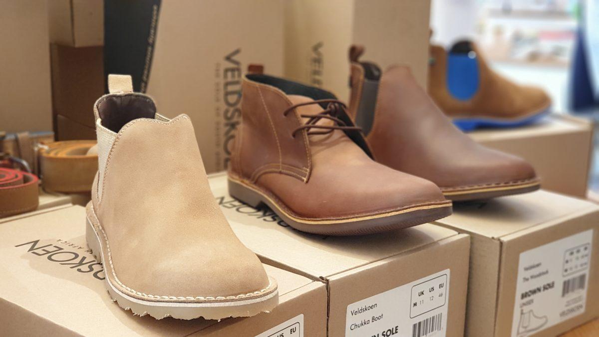 Es gibt verschiedene Schuhmodelle, auch in klassischeren Schuhfarben. Foto: Sascha von Gerishem