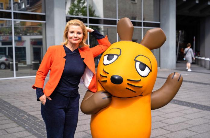 """Annette Frier ist die neue Stimme im Vorspann der """"Sendung mit der Maus"""" © WDR/Jan-Philipp Behr"""