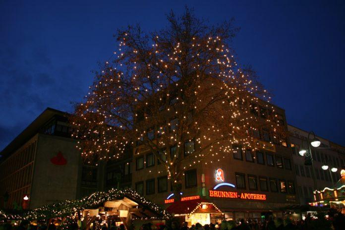 Der Weihnachtsmarkt am Dr.-Ruer-Platz in Bochum. Archivfoto: Frank Vincentz, CC BY-SA 3.0 , via Wikimedia Commons